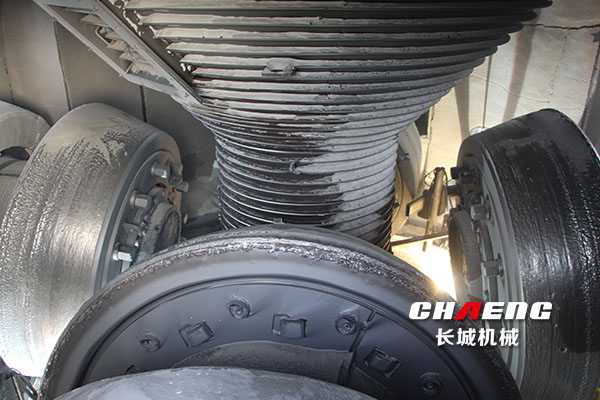 What we should pay attention to maintain the vertical mill roller?
