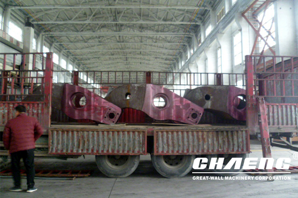 Three rocker arms and five slag pots ship to nanjing,Italy after the factory 60th celebration