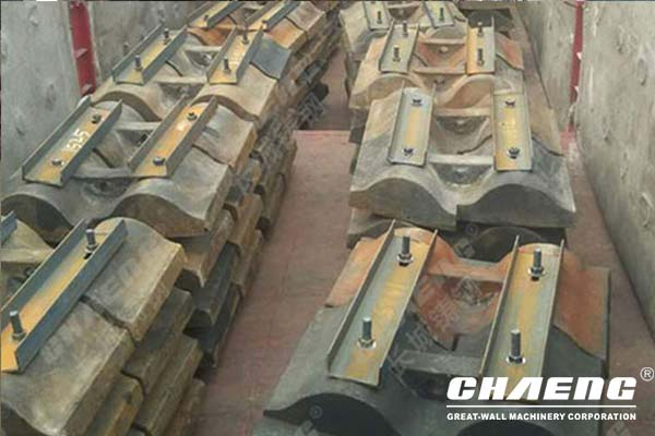 Material selection requirements for ball mill liners