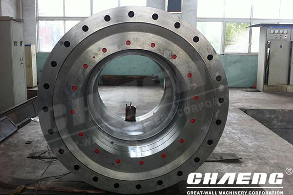 What should note during maintenance of grinding roller for vertical roller mill